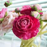 少しでも気持ちよく治療していただけるよう、いつも花を飾っています